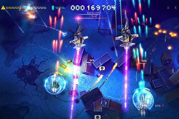 Dù chỉ với đồ họa 2D nhưng thiết kế đẹp mắt đã giúp Sky Force Reloaded thành 1 tựa game hot nhất 2018 trên mobile