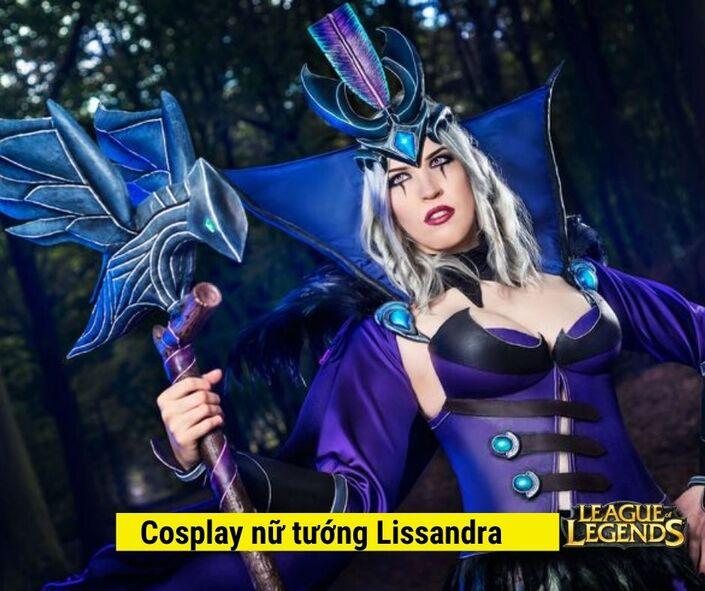 Cosplay Nữ tướng Lissandra game liên minh huyền thoại