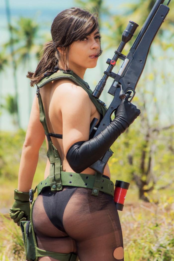 cô gái hot hot girl trong game pubg cosplay