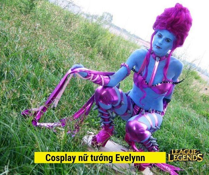 Cosplay Nữ tướng Evelynn game liên minh huyền thoại